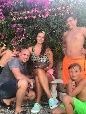 Naše maminka - oslavenkyně a dovolená na Kypru 11.-24.2019 - Zobrazit knihu